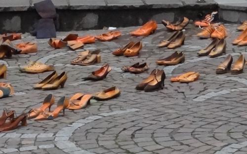Aktion 99 Paar Schuhe